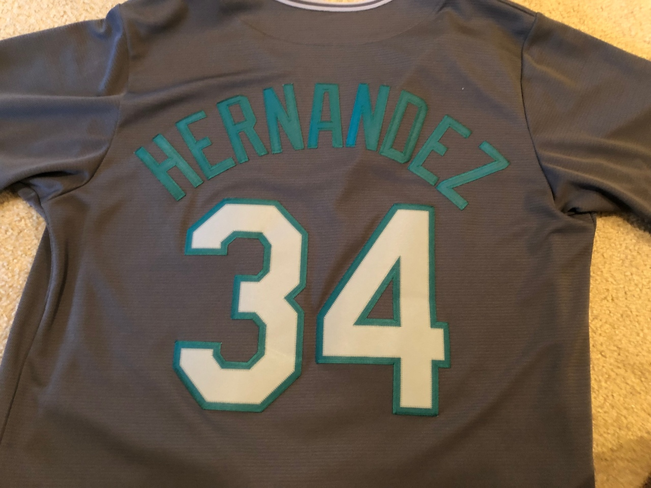 Baseball jersey back with 34 and Hernandez